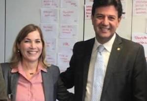 Mayra Pinheiro, ao lado de Luiz Henrique Mandetta Foto: Reprodução / Facebook