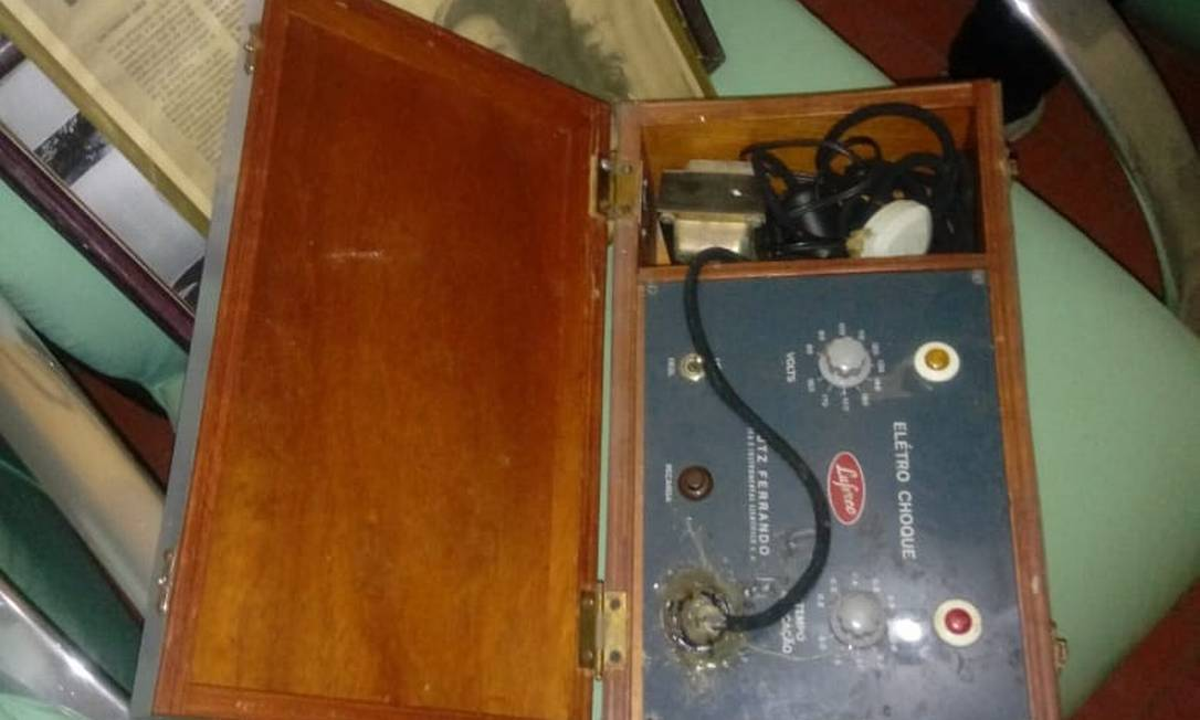 Aparelho eletrochoque apreendido em operação que mirou irregularidades em clínicas psiquiátricas na Bahia Foto: Divulgação
