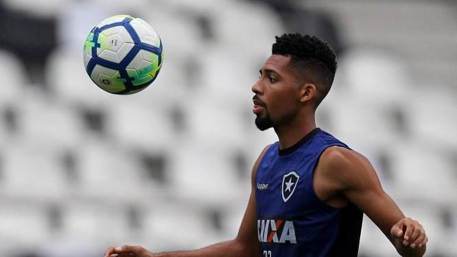 Matheus Fernandes está trocando o Botafogo pelo Palmeiras Foto: Vitor Silva/SSPress/Botafogo