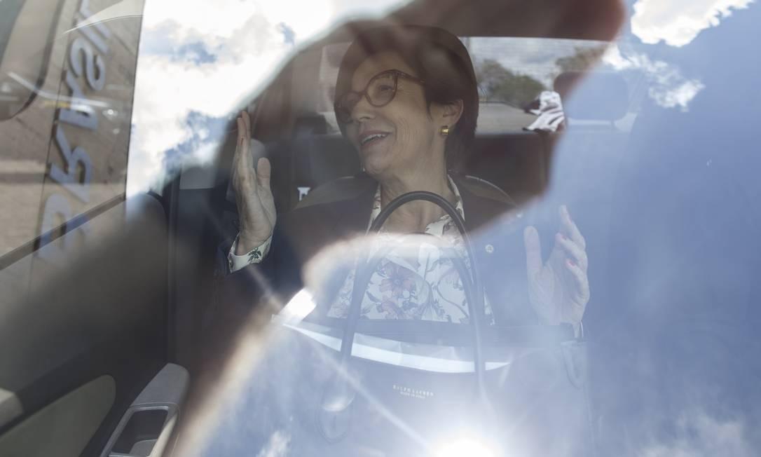 A futura ministra da Agricultura, Tereza Cristina, deixa o CCBB Foto: Daniel Marenco / Agência O Globo