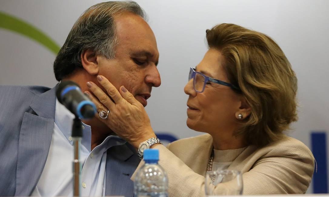 Pezão e a mulher, Maria Lúcia, em 11/06/2015 Foto: Guilherme Pinto / Agência O Globo