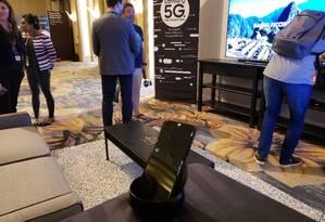 Celulares com tecnologia 5G prometem conexão mais rápida de internet e novas funcionalidades por meio de Inteligência Artificial Foto: Bruno Rosa / Agência O Globo