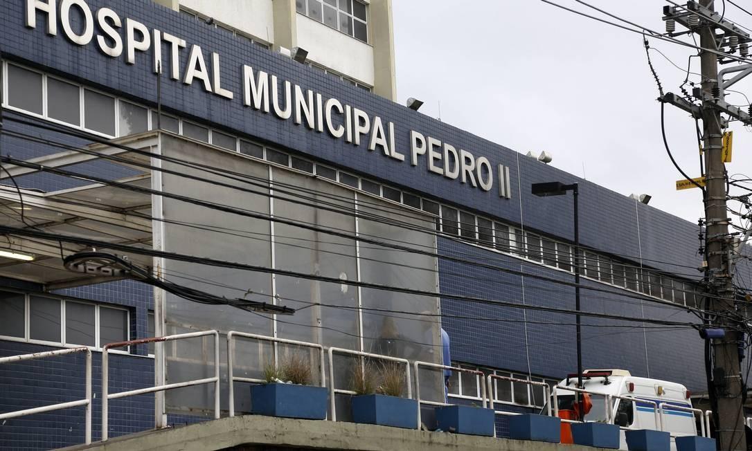 Os profissionais do Hospital Municipal Pedro II, em Santa Cruz, administrado pela OS SPDM, estão sem pagamento Foto: Marcos de Paula / Agência O Globo