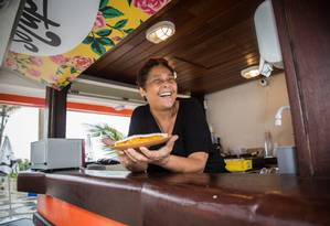 Rainha da praia. Após abrir o Só Tapioca?, em Ipanema, a chef Kátia Barbosa vai inaugurar o Aconchego Carioca, em Copacabana Foto: Emily Almeida / Agência O Globo