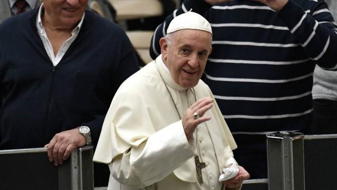 Papa Francisco convocou congresso para tratar questão de abusos cometidos por membros do clero Foto: VINCENZO PINTO / AFP