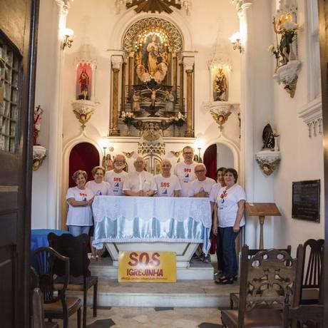 Força e fé. Integrantes do grupo S.O.S. Capelinha na igreja reformada recentemente Foto: Emily Almeida / emily almeida