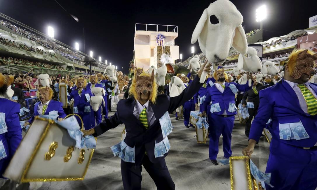 Desfile da Beija-Flor de Nilópolis em 2018 Foto: Marcelo Theobald / Agência O Globo