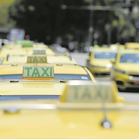 Taxistas participaram de audiência pública sobre projeto que prevê restrições ao serviço de transportes por aplicativos Foto: Guilherme Pinto / Agência O Globo