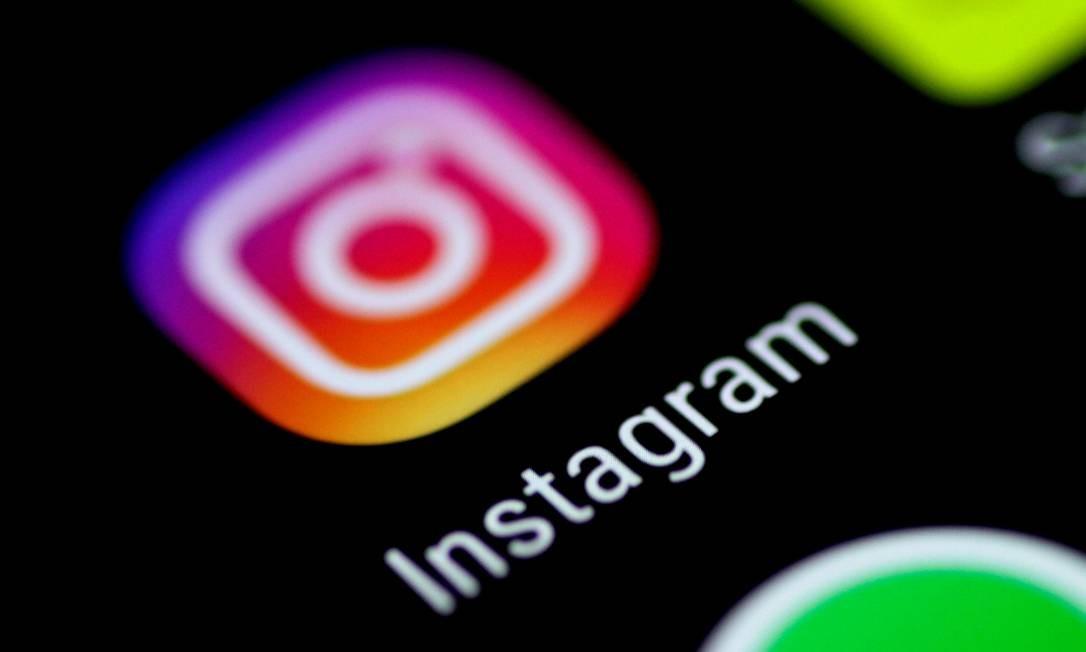Por meio de leitores de tela, opção de acessibilidade que já vem em smartphones, nova função para deficientes visuais é colocada em uso por Instagram Foto: Thomas White / REUTERS