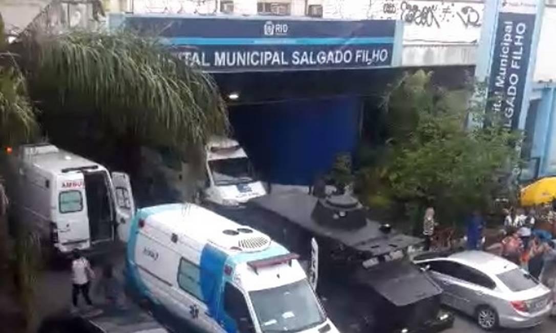 Policiais baleados no Jacarezinho foram levados para o Hospital Municipal Salgado Filho Foto: Reprodução