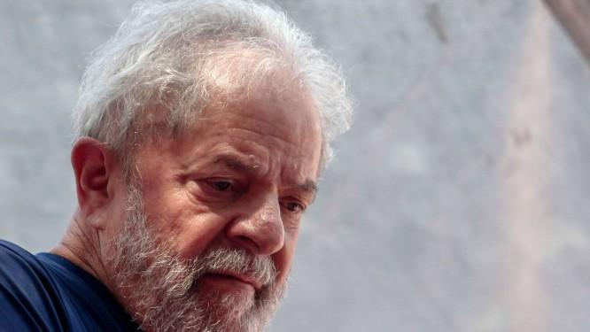 Lula está preso desde abril Foto: Miguel Schincariol / AFP