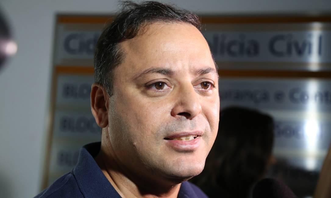 Rodrigo Neves durante entrevista na Cidade da Polícia Foto: Márcia Foletto / Agência O Globo