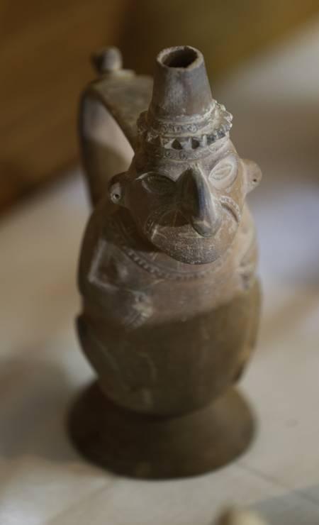 Antropomorfo pré-colombiano do Peru, da coleção de Dom Pedro II Foto: Gabriel de Paiva / Agência O Globo