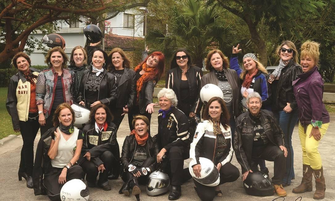 """As autoras do livro """"Mulheres de moto pelo mundo"""" Foto: Divulgação/Enio Guimarães"""