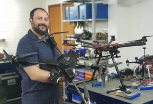 Wanderley Abreu Júnior também desenvolve drones no laboratório da Storm Security Foto: Sérgio Matsuura