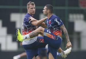 Maxi López e Leandro Castan estão na mira do Corinthians Foto: Rafael Ribeiro/Vasco