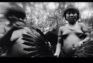 Uma das imagens dos Yanomami feitas por Claudia Andujar e censurada pelo Facebook Foto: Reprodução / Reprodução