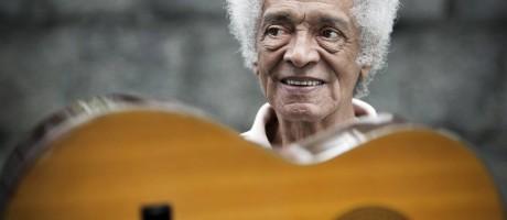 O violonista e maestro Waltel Branco, em 2012 Foto: Guito Moreto / Agência O Globo