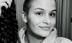 Xènia Artiga cortou os longos cabelos Foto: Reprodução/Instagram