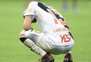 Luiz Gustavo tem contrato com o Vasco até dezembro Foto: Jorge William
