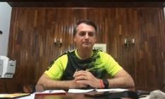O presidente eleito Jair Bolsonaro em transmissão pelo Faceboo Foto: Reprodução do Facebook