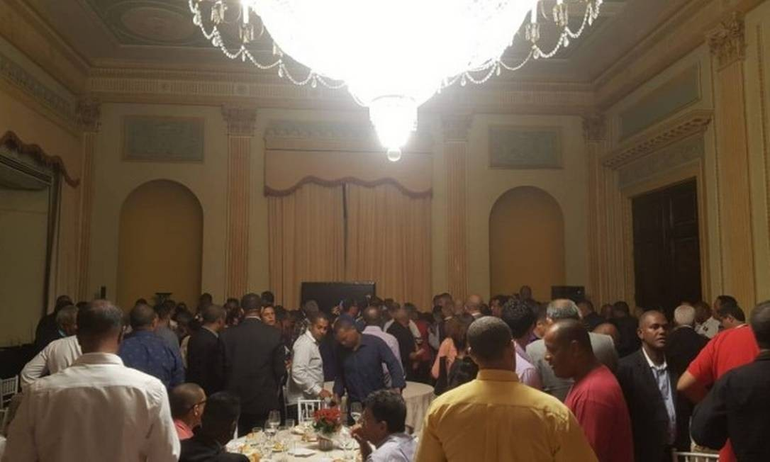 Crivella recebeu 250 pastores e líderes de igrejas no Palácio da Cidade Foto: Agência O Globo