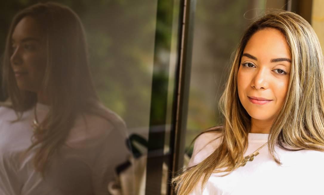 Clarice Rangel compra menos e com mais critério: ela busca produtos que não agridam a pele nem o meio ambiente Foto: Bárbara Lopes / Agência O Globo