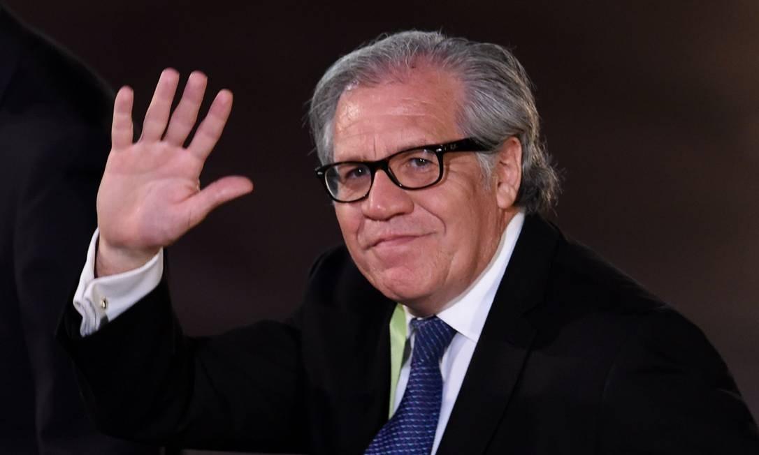 Secretário-geral da Organização dos Estados Americanos (OEA), Luis Almagro, é acusado de ter cometido 'a violação mais grave dos princípios que se pode imaginar' ao defender a possibilidade da intervenção armada Foto: CRIS BOURONCLE / AFP/13-04-2018