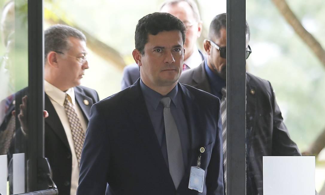 Sergio Moro, futuro ministro da Justiça do governo Jair Bolsonaro, no CCBB, onde está montado o gabinete de transição Foto: Jorge William / Agência O Globo