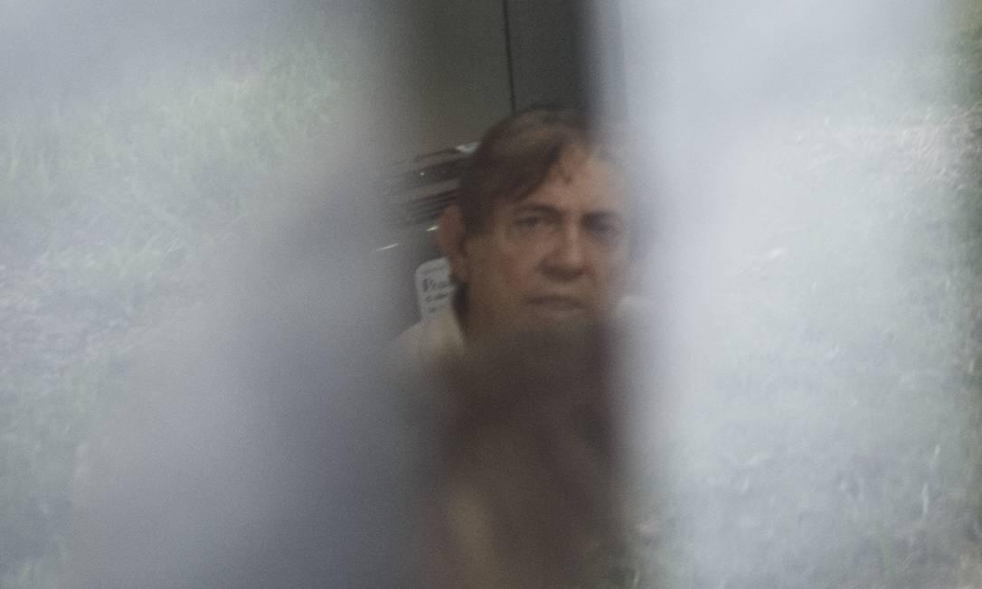 No dia 22 de dezembro, a polícia apreendeu uma mala com esmeraldas, uma arma e R$ 1,2 milhão no porão de uma casa de João de Deus. Seu advogado afirmou que a busca foi 'inadmissível' Foto: Daniel Marenco / Agência O Globo/16-12-2018
