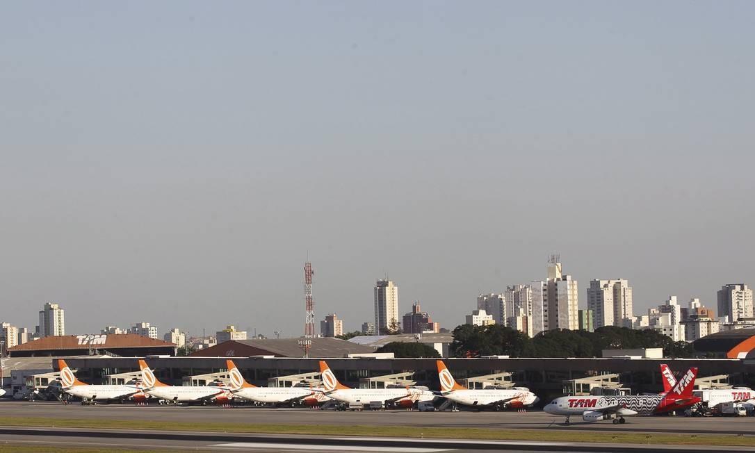 Aeroporto de Congonhas, em São Paulo Foto: Michel Filho / Agência O Globo/11-6-2015
