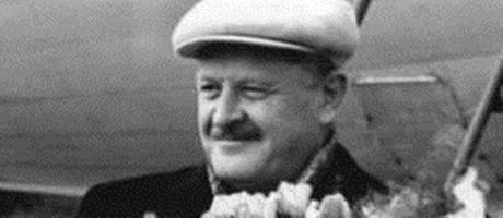 O poeta turco Nâzım Hikmet Foto: Reprodução