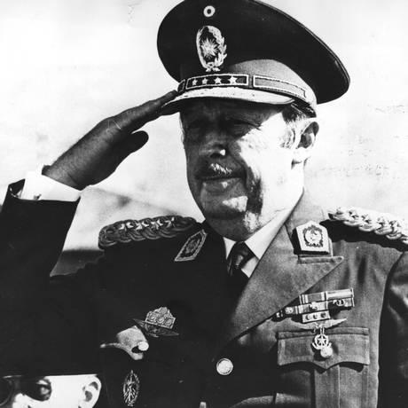 O ditador Alfredo Stroessner, do Paraguai, em visita a Espanha Foto: Keystone / Getty Images