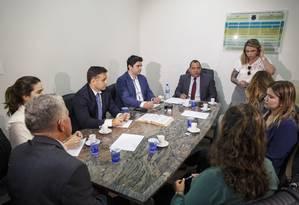 Reunião entre integrantes da forca-tarefa responsável pela investigação de João de Deus Foto: Daniel Marenco / Agência O Globo