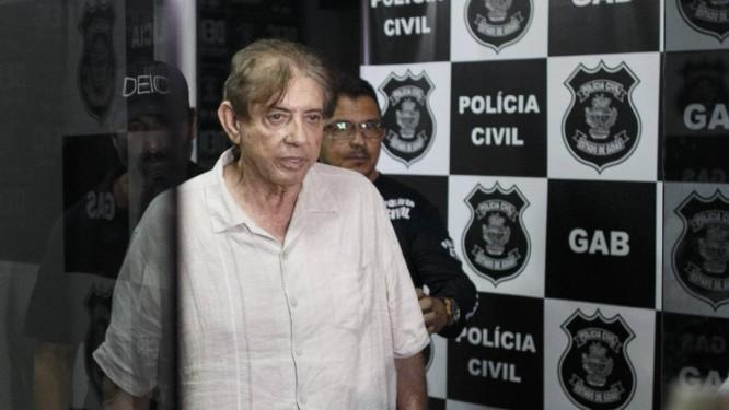 O médium João de Deus na Delegacia de Investigação Criminal de Goiás Foto: Daniel Marenco / Agência O Globo
