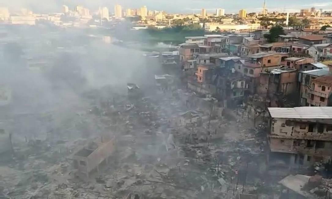 Bairro do Educandos, em Manaus, após incendio atingir casas Foto: Reprodução / Facebook
