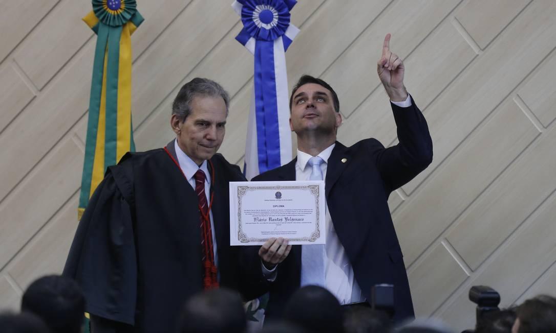 Flávio Bolsonaro é diplomado como senador eleito Foto: Pablo Jacob / Agência O GLOBO