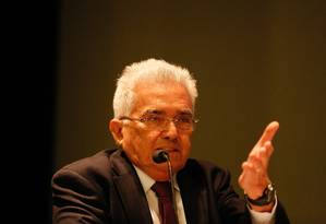 O economista Raul Velloso participa de evento no BNDES Foto: Pablo Jacob/Agência O Globo/17-05-2018