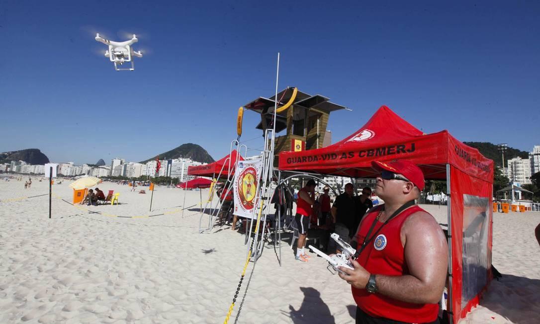Salva-vidas usarão drones para ajudar nos salvamentos Foto: Maurício Pingo / Divulgação/Corpo de Bombeiros