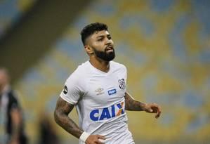 Gabigol fez três gols contra o Vasco, no Maracanã Foto: Marcelo de Jesus / Agência O Globo