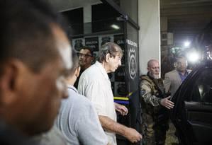João de Deus deixa a DEIC, em Goiânia, após prestar depoimento Foto: Daniel Marenco / Agência O Globo