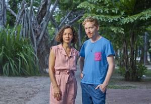 Bárbara Wagner e Benjamin de Burca: dupla desenvolve vídeo para o evento Foto: Chico Barros/Divulgação