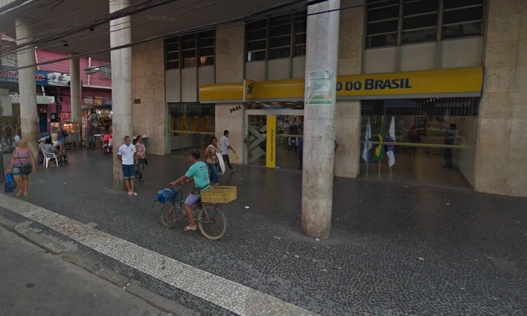 Agência explodida por criminosos Foto: Reprodução do Google Street View