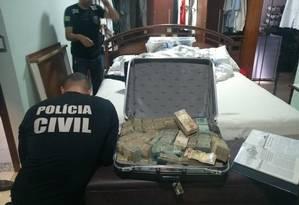 Dinheiro apreendido na casa de João de Deus Foto: Divulgação