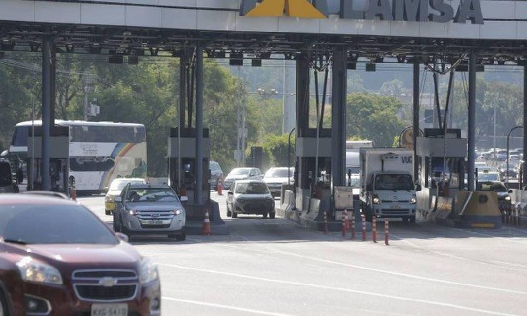 Pedágio volta a ser cobrado na Linha Amarela Foto: Alexandre Cassiano / Agência O Globo