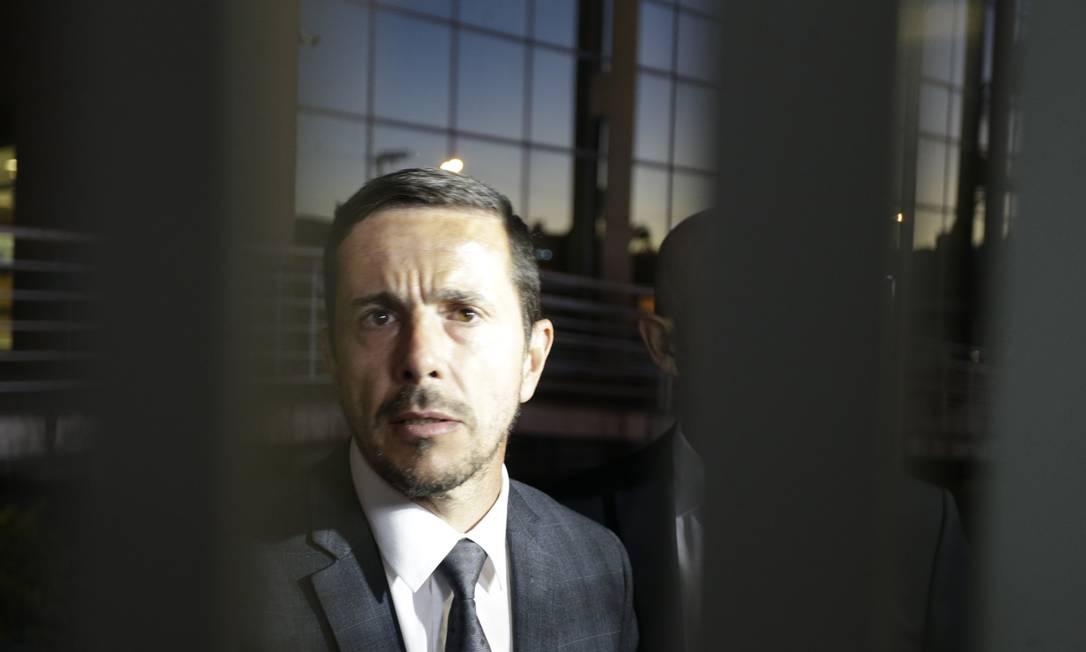 Advogado de Adélio Bispo, Zanone Manoel de Oliveira Jr. teve seu celular e outros documentos apreendidos pelos investigadores Foto: Antonio Scorza / Agência O Globo 07/09/2018