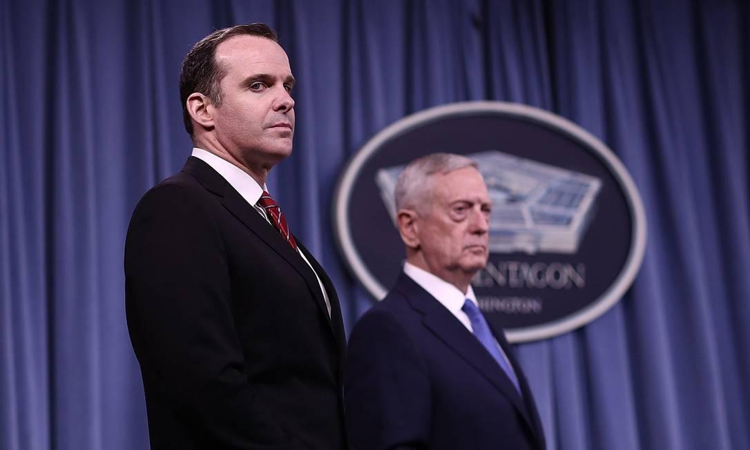 Chefe do Pentágono, Jim Mattis, e enviado especial dos EUA para coalizão na Síria, Brett McGurk, deixam governo de Donald Trump Foto: WIN MCNAMEE / AFP