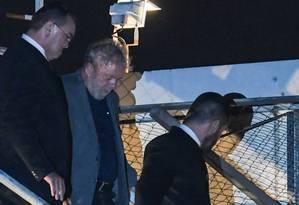 Ex-presidente Lula está preso na sede da PF em Curitiba Foto: MAURO PIMENTEL / AFP
