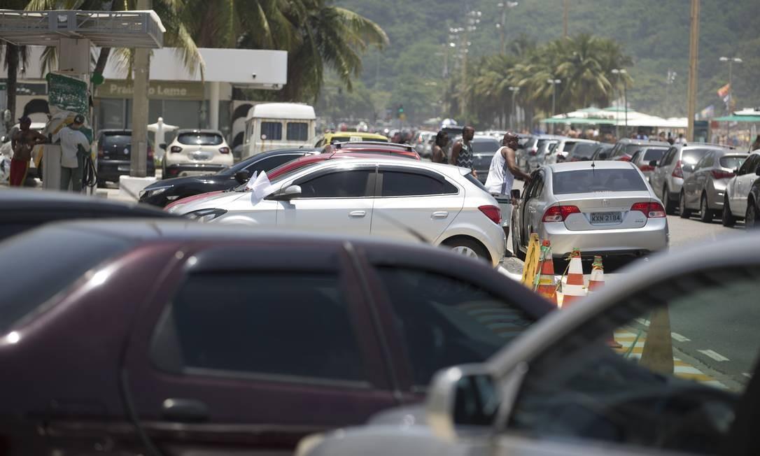 Em reforma, posto de gasolina no Leme vira estacionamento Márcia Foletto / Agência O Globo