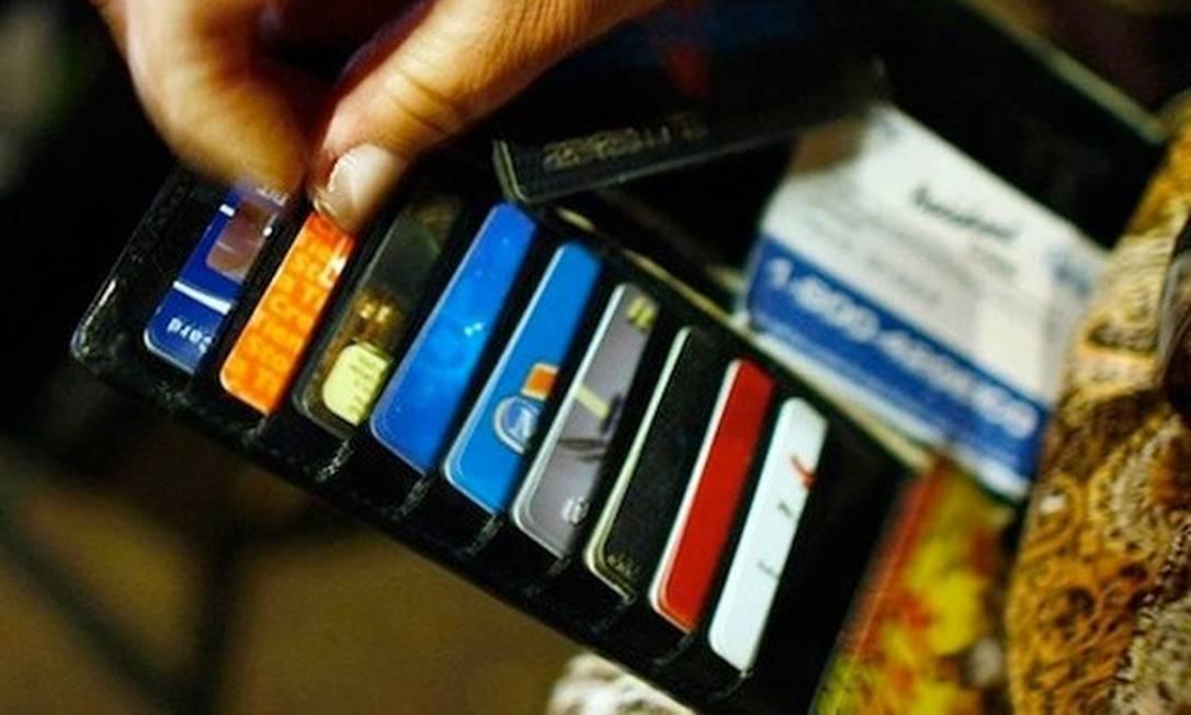 Cartões de crédito estão entre os principais vilões da inadimplência em 2018 Foto: Arquivo